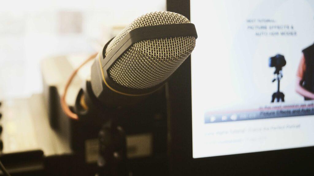 microphone 5040699 1920